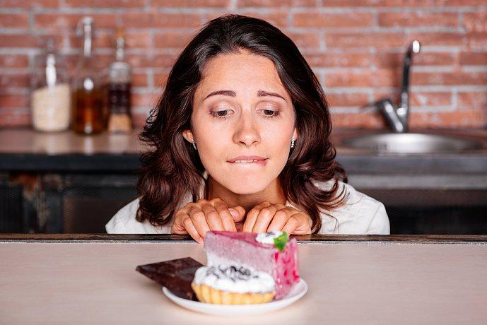 Постоянное чувство голода даже после еды: причины и как убрать его