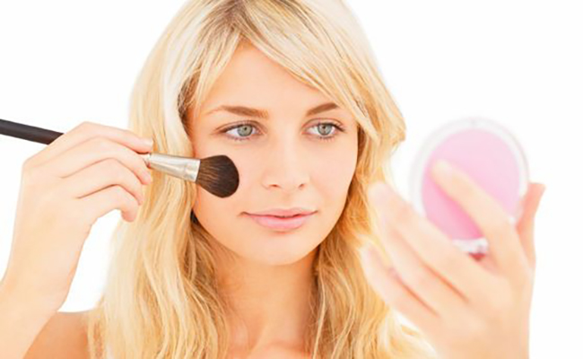 Черные круги вокруг глаз макияж