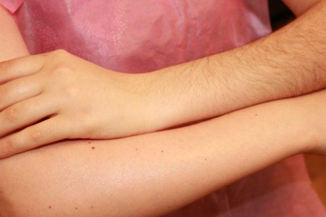 Эпиляция рук за и против