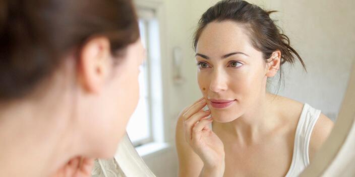 Как избавиться от родимого пятна на лице