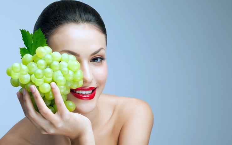 Можно ли есть виноград при похудении: польза и вред?